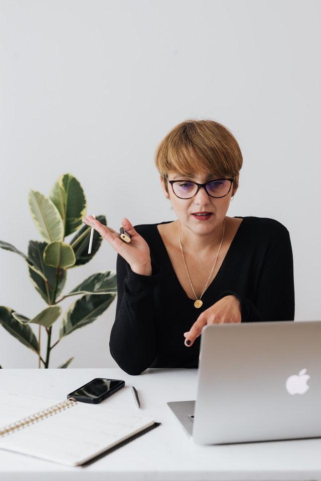 website coaching pexels-karolina-grabowska-4467682